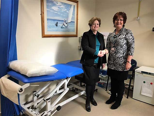 Read more about the article THE FRIENDS SUPPLY HYDRAULIC COUCH TO NEWTON PLACE SURGERY.